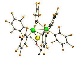 002 - Es definida, en tanto, por  Linus Pauling, como la ciencia que estudia las sustancias, su estructura  (tipos y formas de acomodo de los átomos), sus propiedades y las reacciones que las transforman en otras sustancias.