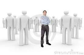 004 - Una organización es un grupo social compuesto por personas, tareas y administración que forman una estructura sistemática de relaciones de interacción, tendientes a producir bienes o servicios